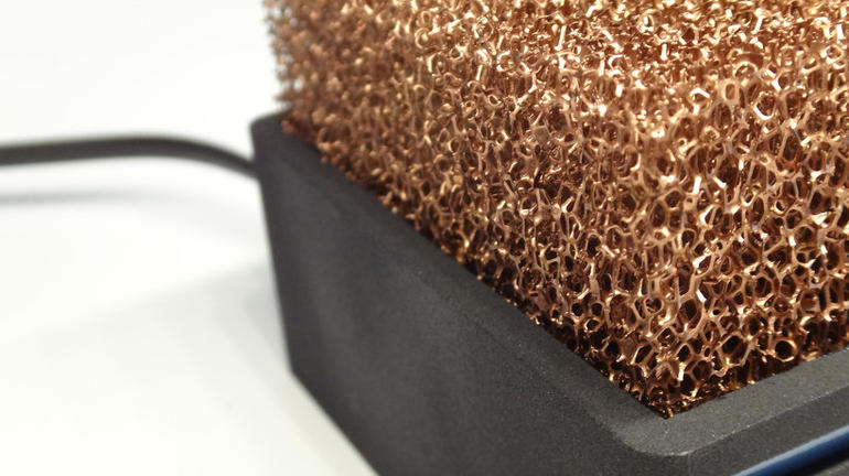 Fan-free PC uses copper foam for quiet cooling – CNET